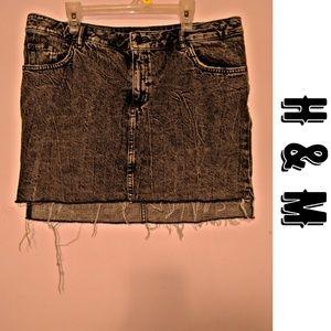 🖤 { H & M } Divided Acid Wash Mini Skirt